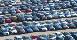 Varför ser bilar så tråkiga ut?!/erviluca