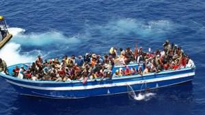 flyktingar i båt 2