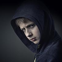 arg tonårspojke