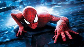 spiderman kryper på vägg.jpg