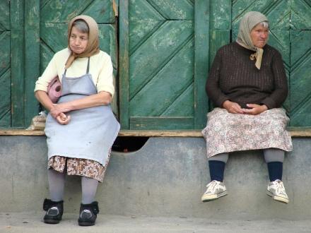 gamla kvinnor.jpg