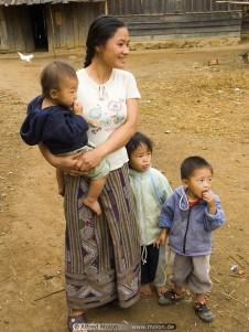 ung mamma med tre barn