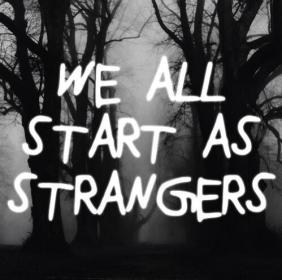 främlingar