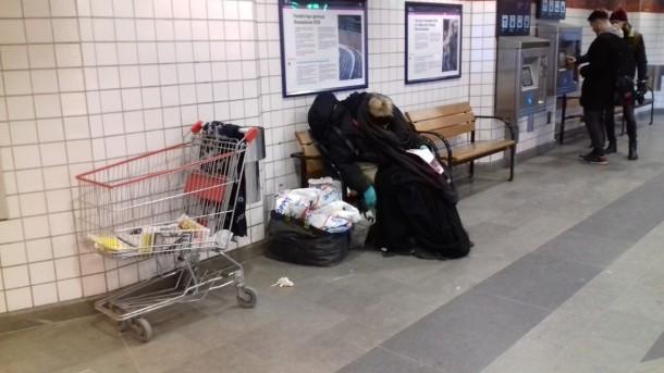 tanten vid östra station.jpg